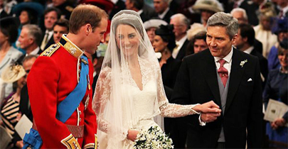 Sob os olhares do mundo, Kate e William se casam em Londres