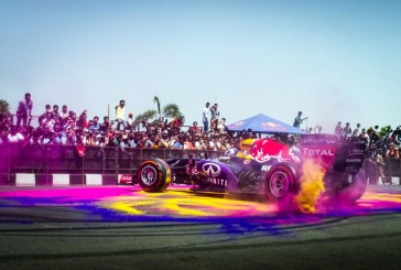 Show run da Red Bull agita a cidade de Hyderabad, na Índia