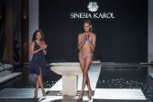 Sinesia Karol no Miami Swim Week